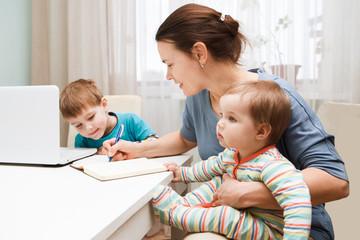 06 Los niños no te dejan trabajar,,,,,,,