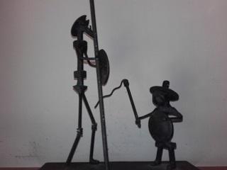 11 Don Quijote y Sancho hierro